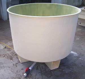 An example of a round fibreglass tank. Very useful for Aquaponics projects Practical Aquaponics